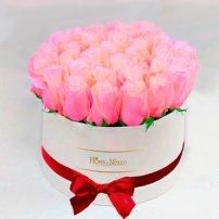Caja Blanca de Rosas Rosadas, Mexico