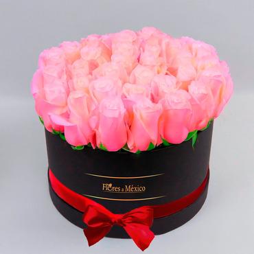Caja Negra de Rosas Rosadas