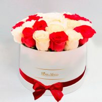White Box of Red and White Roses, Mexico